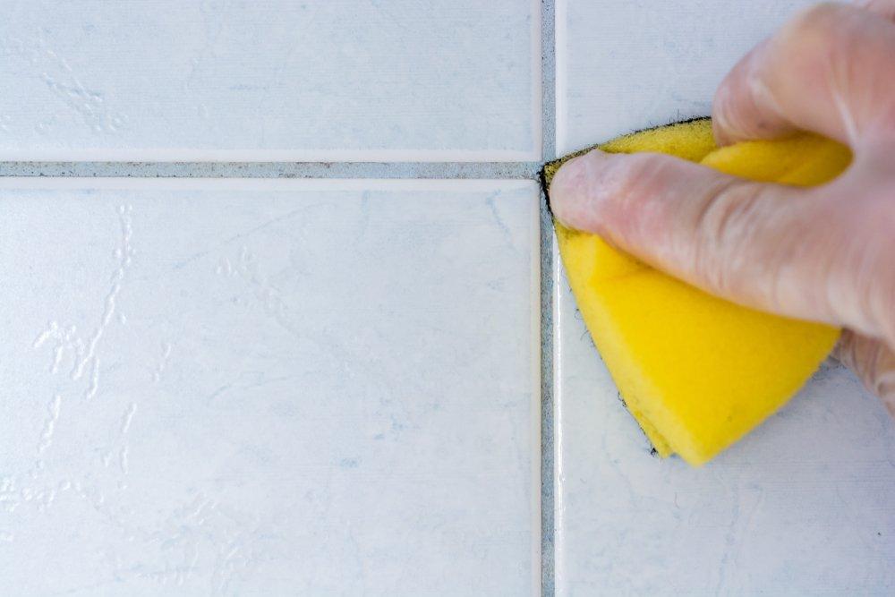 Ako vyčistiť škáry v obklade