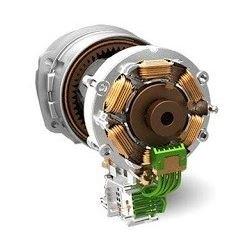 Bezuhlíkový motor