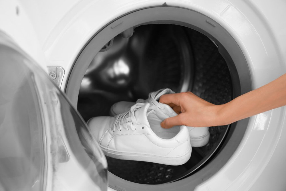 V práčke vyperiete aj tenisky