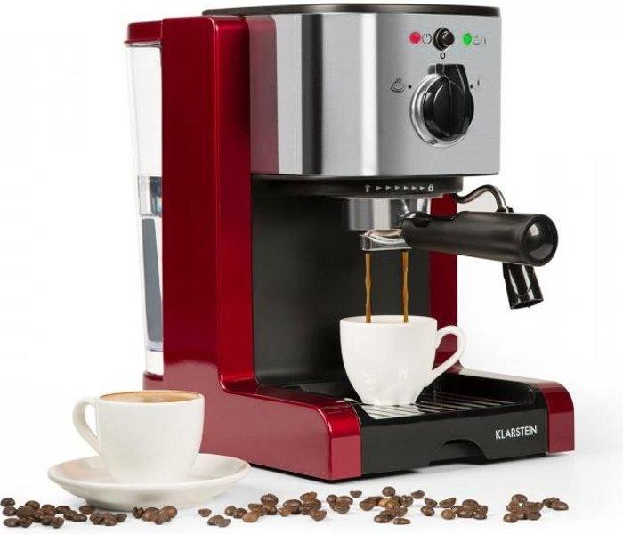 Červený pákový kávovar
