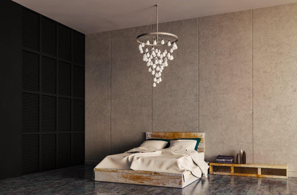 luster nad posteľou