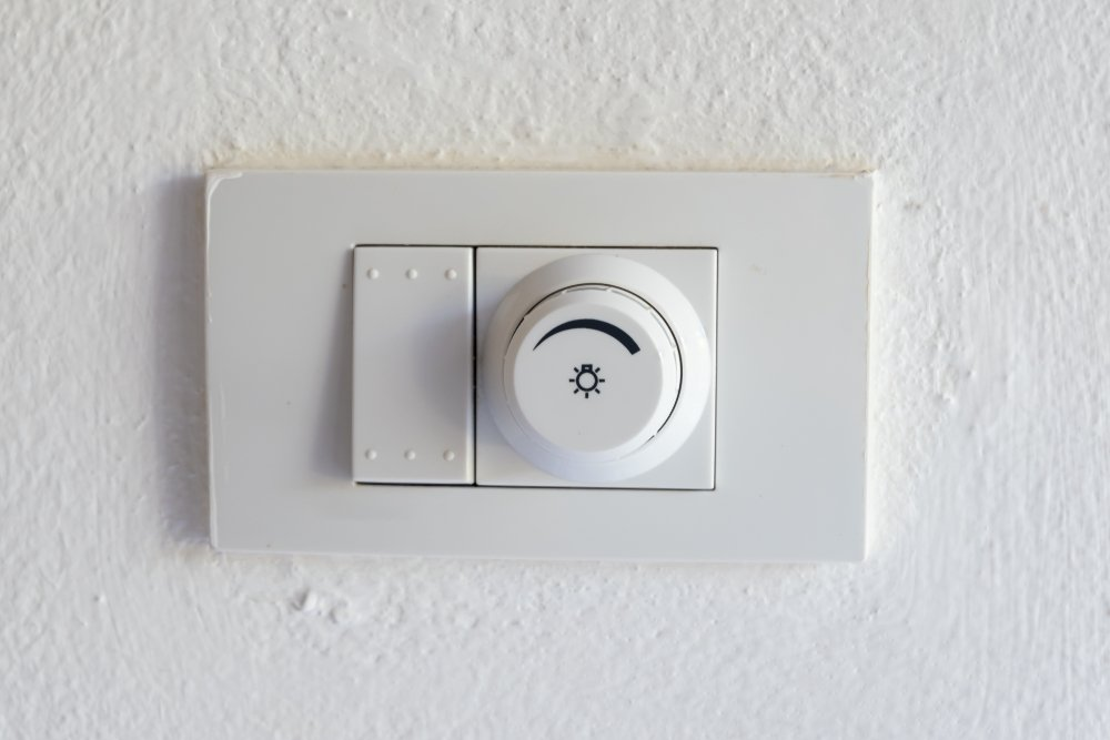 Stmievač vám poskytne nielen absolútnu kontrolu nad osvetlením, ale aj šetrí energiu
