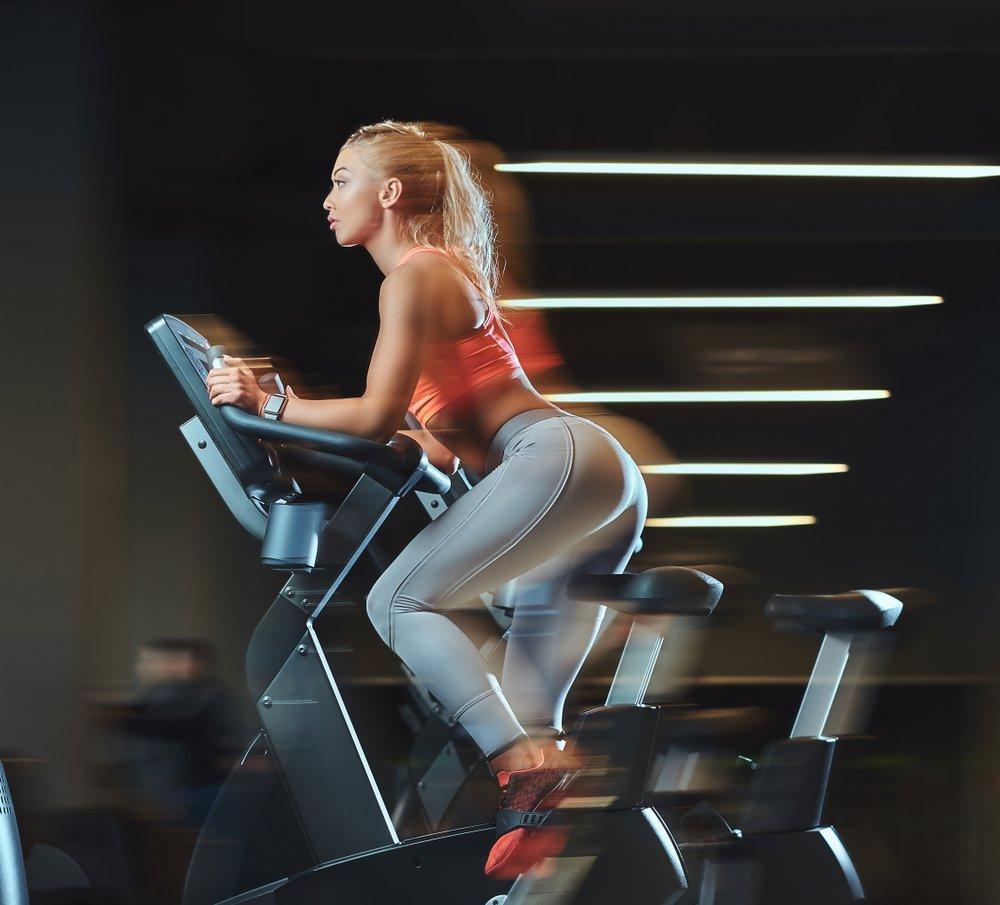 Cvičenie na stacionárnom bicykli