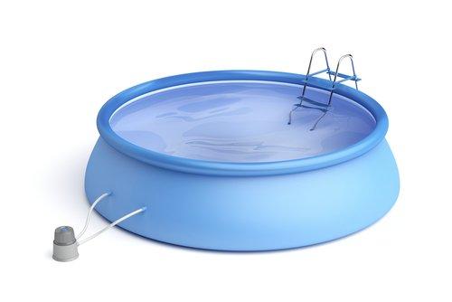 Modrý gumový bazén so samonosným prstencom