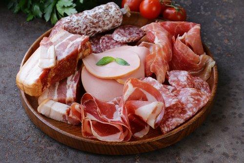 Mäsové lahôdky na tanieri