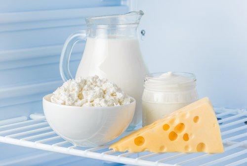 Mlieko, tvaroh, smotana a syr v chladničke