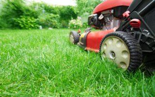 Údržba, zazimovanie a opravy kosačky na trávu