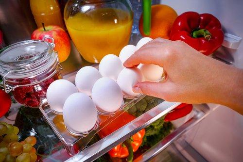 Vajcia v plastovom obale v chladničke