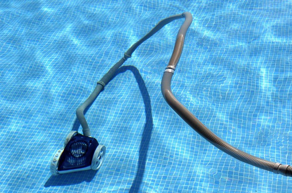 Robotický bazénový vysávač