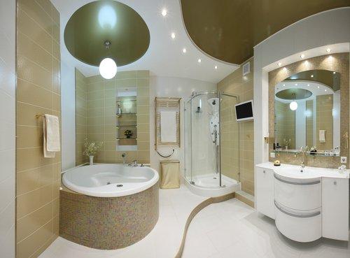 Bodové svietidlá v kúpeľni doplnené závesným svietidlom