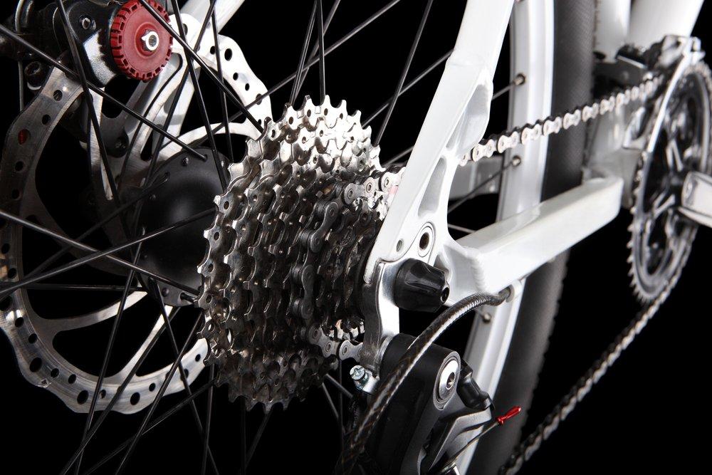zadná kotúčová brzda bicykla a prevodové kolieska