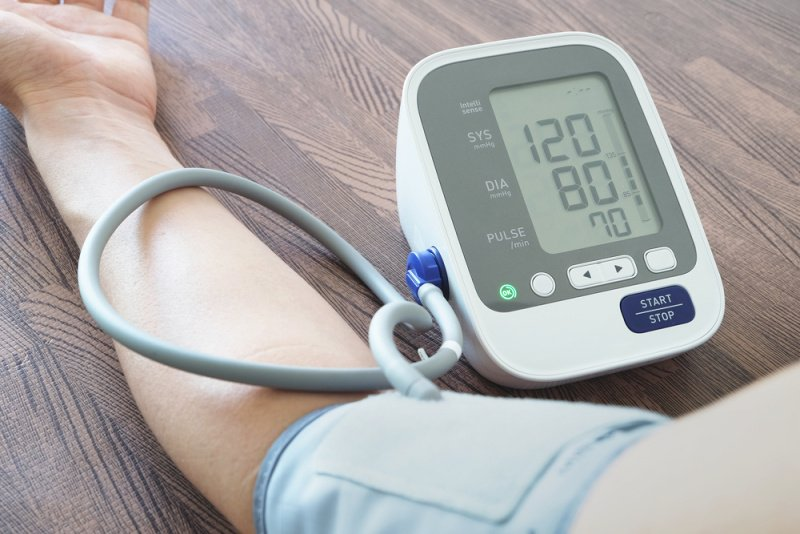 Nameraná hodnota krvného tlaku na tlakomere