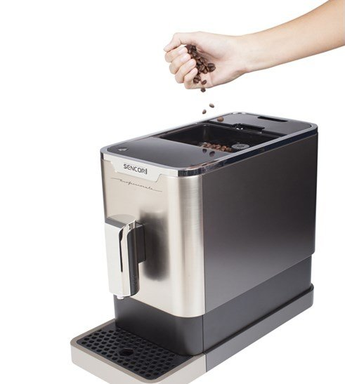 Vstavaný mlynček v kávovare Sencor SES 7010 NP