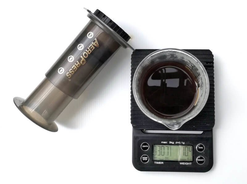 Príprava kávy s Aeropress Aerobie