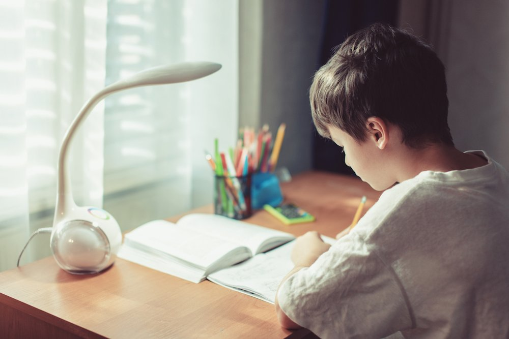 Ako si vybrať detský písací stôl