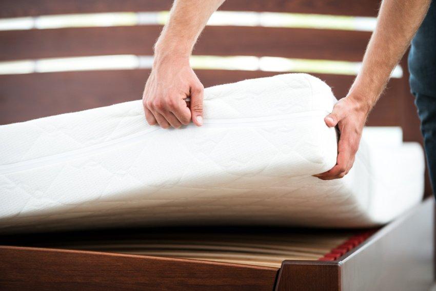 matrace bielej farby