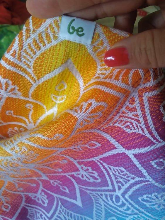 Detail šatky Be Lenka Mandala