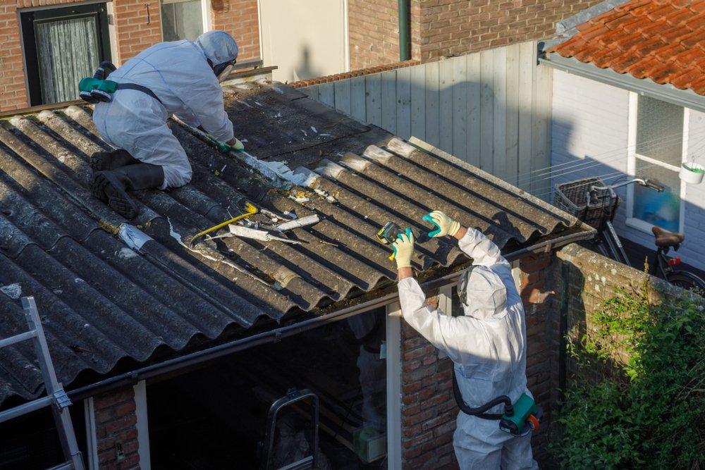 Profesionálna likvidácia azbestovej krytiny zo strechy