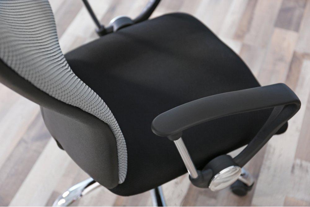 Ako si vybrať tú správnu kancelársku stoličku