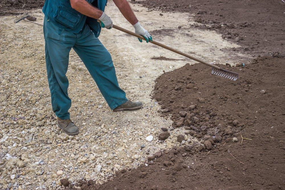 Trávnikový koberec - príprava pôdy