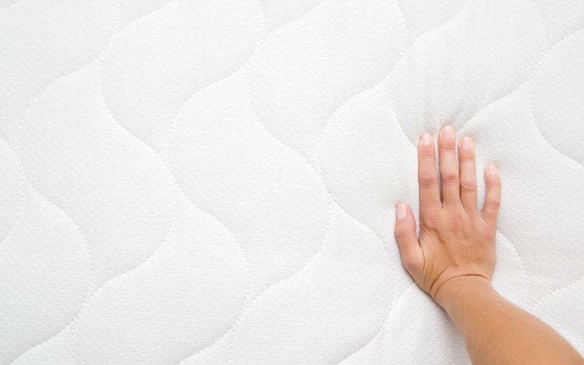 Skúšanie tvrdosti ortopedického matraca