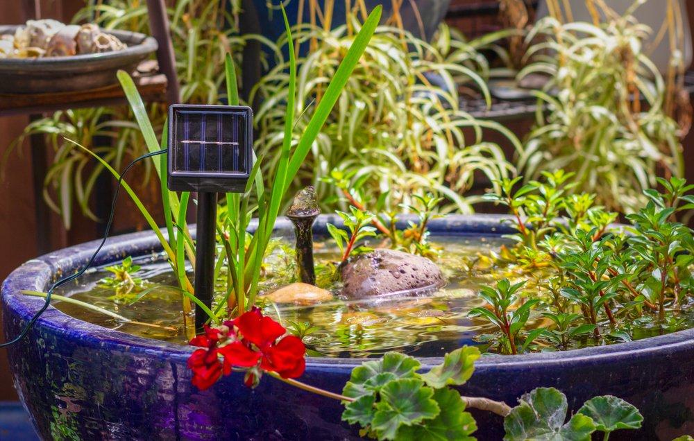 Solárna fontána do jazierka