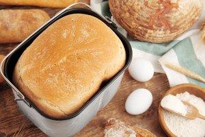 Upečený chlieb v domácej pekárni Delimano Joy