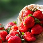 Ako zavárať jahody klasicky v hrnci, alebo v rúre + recept na nálev