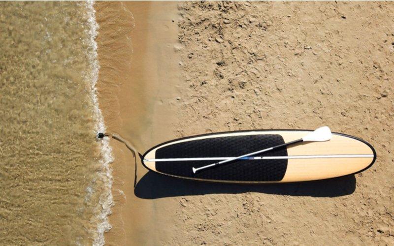 Paddleboard na pláži