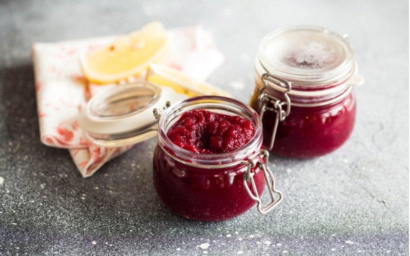 Marmeláda z červenej repy v pohároch