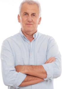 Starý pán v modrej košeli