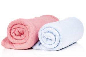 Ružová a biela detská deka