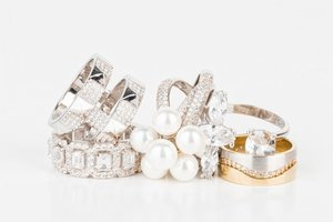 Prstene z bieleho a žltého zlata