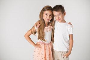 Dievča a chlapec, súrodenci
