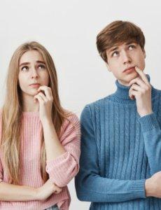 Mladá žena s mužom - súrodenci