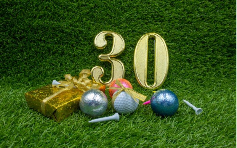 Darček k 30. narodeninám a golfové loptičky
