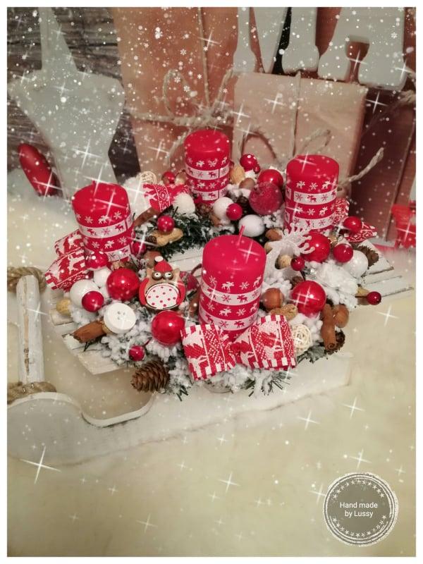 Vianočný adventný veniec bielo červený