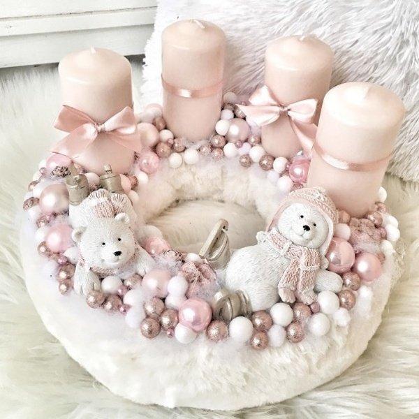 Adventný veniec bielo ružový