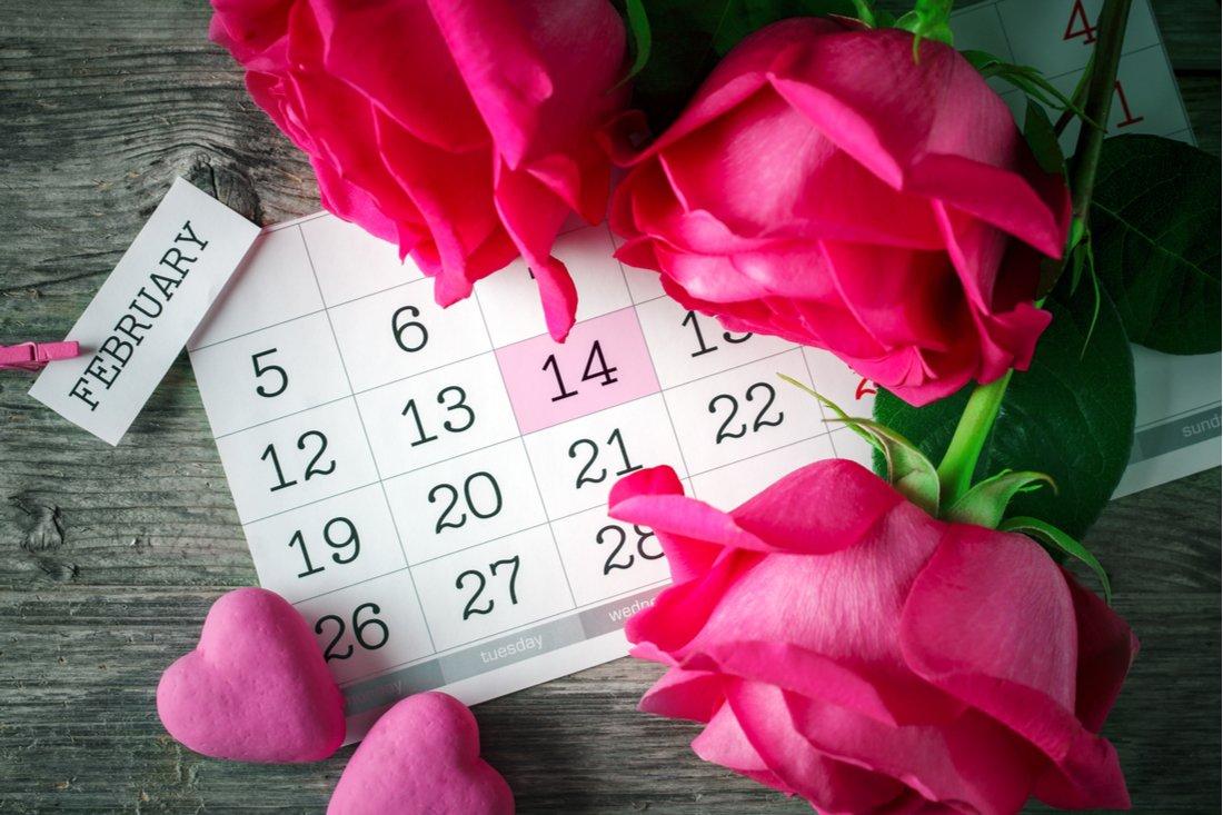 Ruže, srdiečka a kalendár