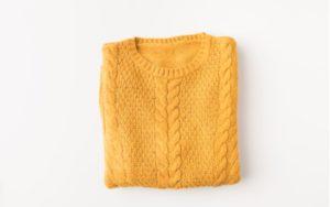 Žltý dámsky sveter