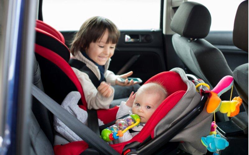 Autosedačky rôzneho typu podľa vzrastu a váhy dieťaťa, vajíčko pre dojča, klasická autosedačka pre staršie dieťa