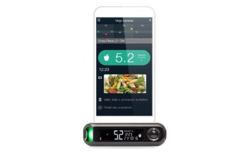 Mobilný telefón prepojený s glukomerom