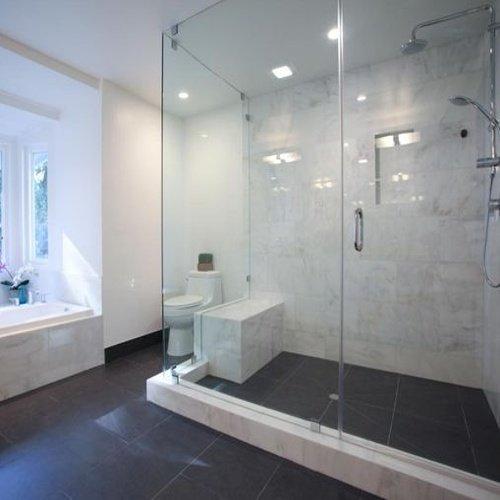 Štýlová kúpeľňa s kamenným obkladom