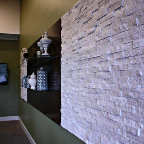 Kamenný obklad na stene