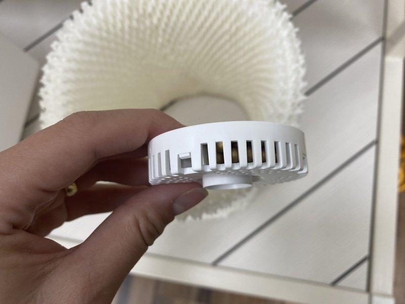 Biely filter s gulôčkami do zvlhčovača
