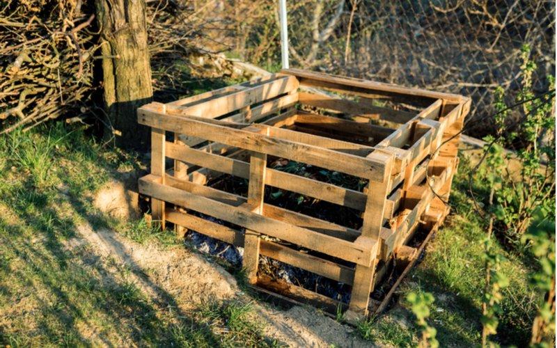 Kompostér na záhrade