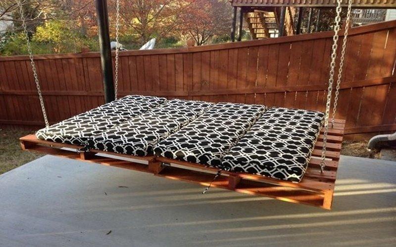 Hojdačka s matracom