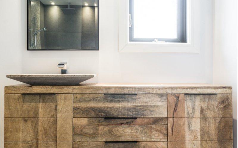 Kúpeľňový nábytok z masívu