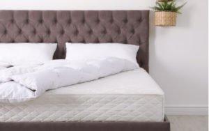 Posteľ s novým matracom