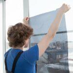 Fólie na okná domu či bytu - ozdobné, zrkadlové, protislnečné, termoizolačné a iné fólie na okná